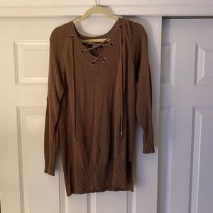 Brown Lulu's sweater with v neck ties